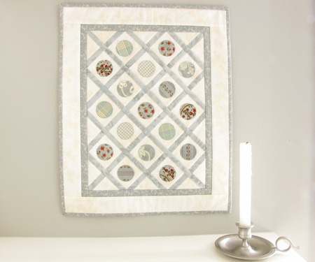 Spot On Roman Holiday Moda Three Sisters Mini Quilt 2